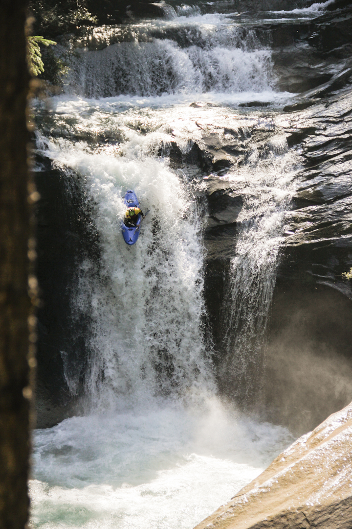 Simon_Kayak-castle_falls