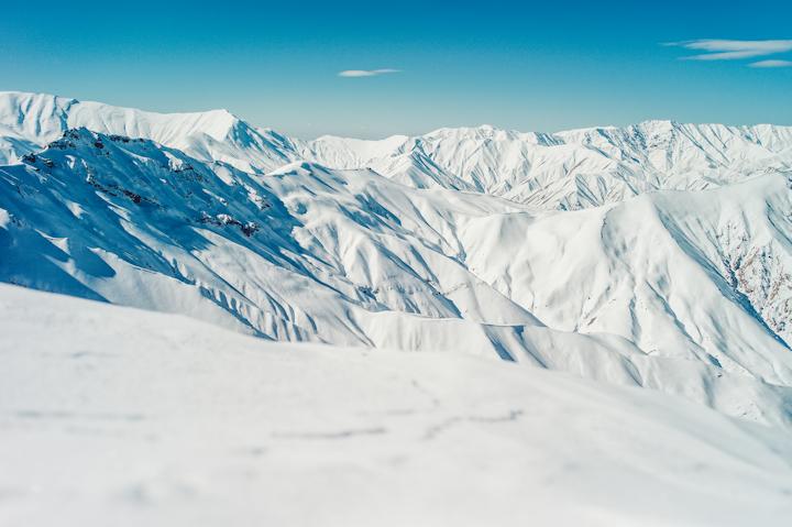 Iran_Dizin-terrain