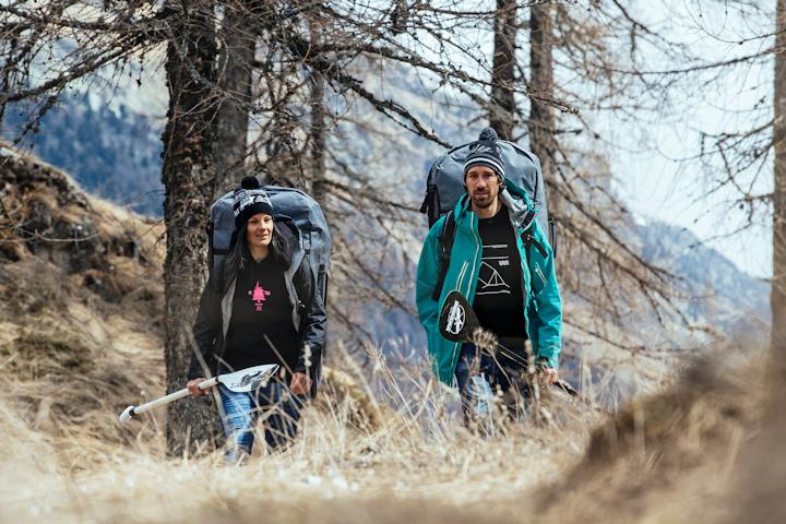 Swiss_Sup_hikingfacing